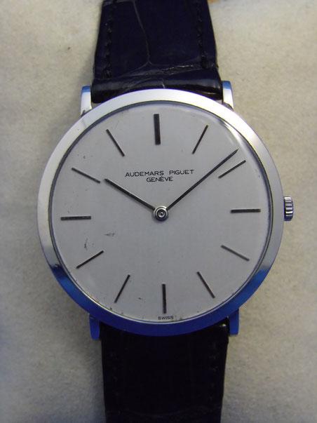 父から譲り受けた形見の腕時計