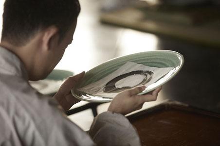 一円相を観る人 - アートプログラム「言霊のレストラン」より
