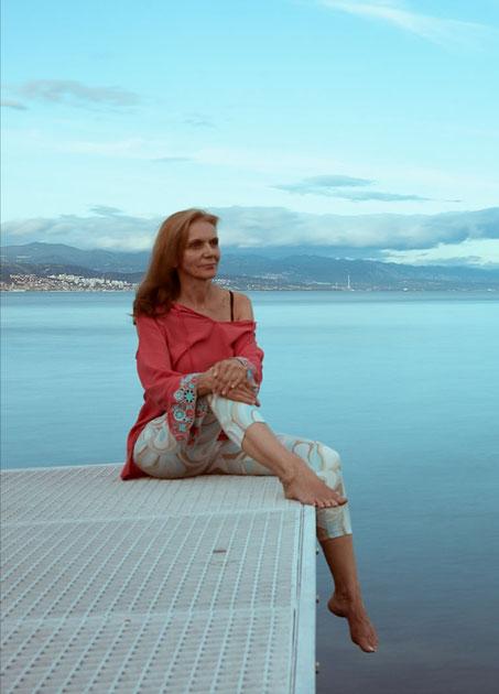 Snezana Nadj, Inhaberin