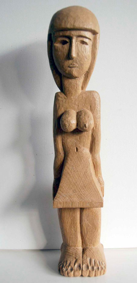 Kilted woman 2008 (Oak) (35x7x6) Fergus Murray