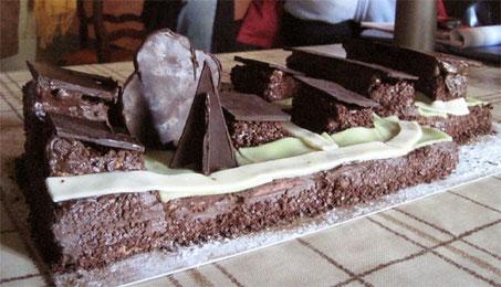 Croix haute gâteau