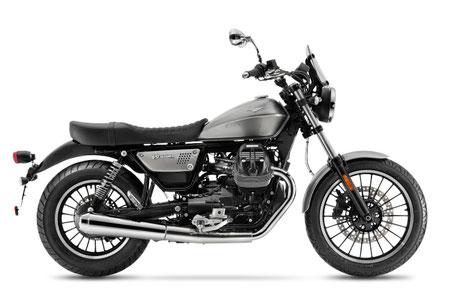 Moto Guzzi V9 Roamer silber Lackierung rechte Ansicht