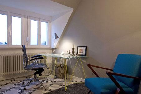 Heidelberg fully furnished flat - writing desk