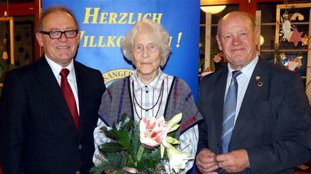 Ehrung - Wiltrud Münderlein - 60 Jahre Aktives Singen - 2015