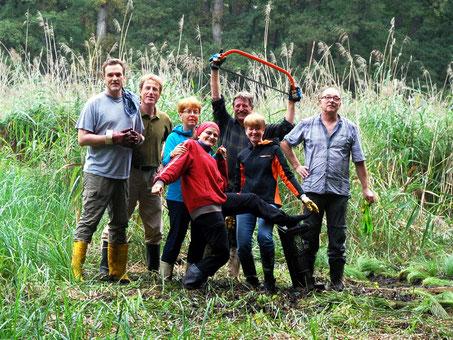 Auspflanzaktion Wunderseggen, Biodiversitätsbotschafter, Wunderseggenried Geinsheim;        Quelle: http://lebensader-oberrhein.de