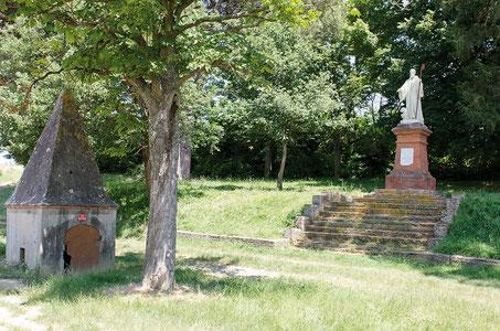 Statue et lavoir de Saint-Méen. Crédit photo : Couleur Média