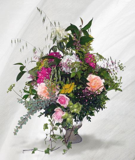 Bouquet romantique, de fleurs de jardin, est l'apanage de l'art floral classique.