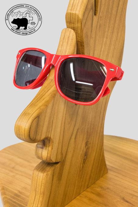 Einzigartige Brillenablage aus Krischbaumholz