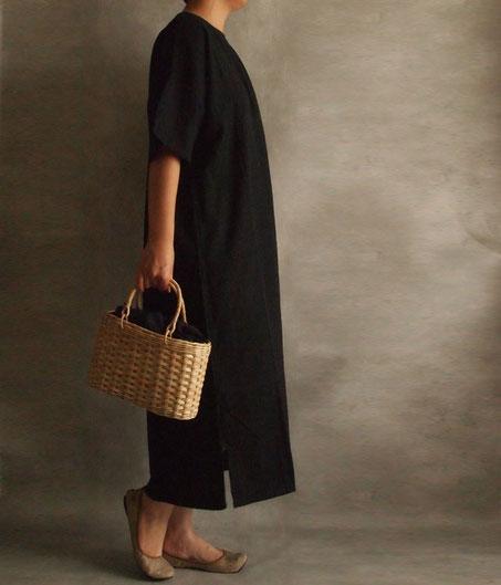 ヂェン先生の日常着 半袖ワンピース 横イメージ moily かごバッグ フロシキ カンボジア 台湾
