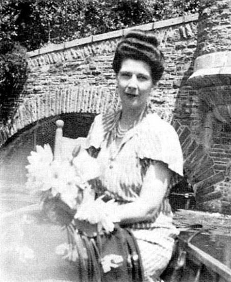 Kim Tolhurst Grajera, 1948