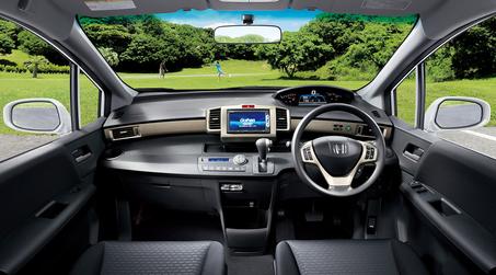 この視野の広さも快適な運転をサポートする