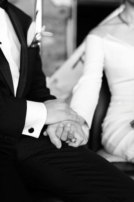 Traurede, Hochzeitsrednerin, Strauß & Fliege