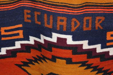 Auf den bunten Indio-Märkten in den Anden findet jeder ein nettes Andenken aus Ecuador