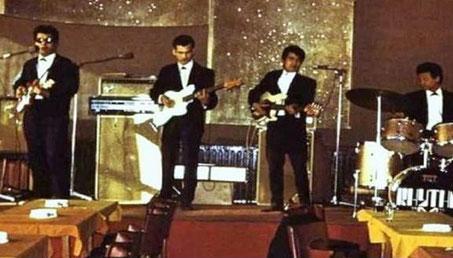 van links naar rechts: Chris van Eldik, Ronald Keyner, Lex van Eldik, Freddy Edelbloed, tijdens het optreden in de  Euro dancing in Heerlen in 1969.