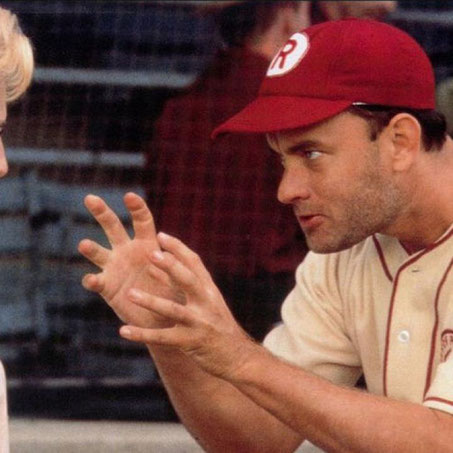"""Nella foto Tom Hanks nella grande interpretazione del manager James """"Jimmy"""" Ducan in """"A League of Their Own"""" (Ragazze Vincenti)"""