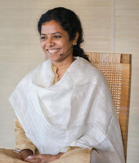 Preethaji, Kursleiterin und Gründerin der O&O Academy in Indien