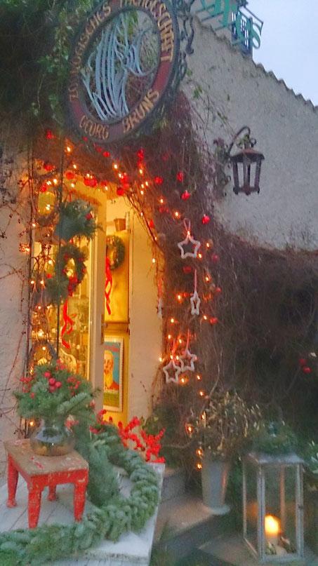 Bild: ~ Dekoratives für den Winter - Burgstr., Hildesheim, Dezember 2015 ☺☼☻ ~