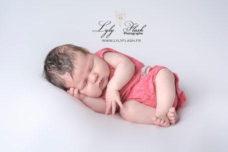 tendance prénom bébé fille Lola sur Carces photo stduio photographe