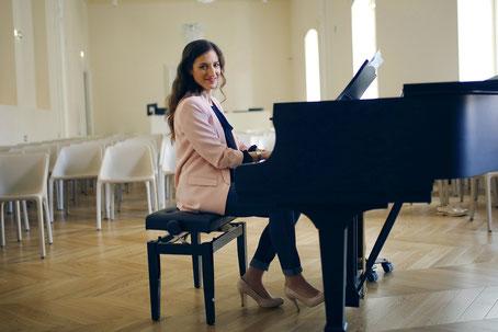 PREMIUM KLAVIER- UND GESANGSUNTERRICHT BEI ANA OLIC, MA ART, KLAVIERUNTERRICHT, Klavier spielen lernen, MUSIKINSTITUT CANTUS Wien, Klavier für Kinder Wien, Klavier für Anfänger Wien