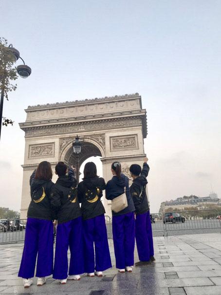 フランスその② 凱旋門とペアルックの日本人。
