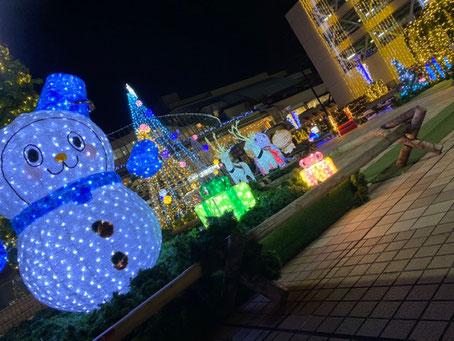 京王永山駅の イルミネーション                   今年はやはり、少し自粛ムードのような気がします。