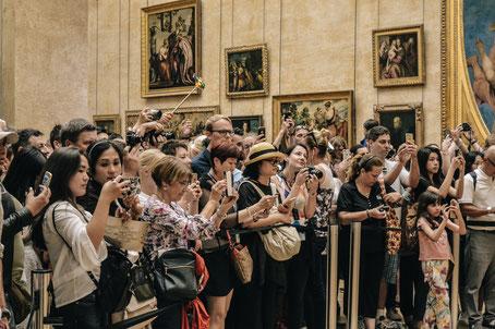 Joconde musée du louvre foule