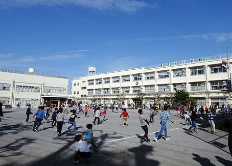 1863(文久3)年に「寺小屋」から始まった日吉台小学校は1873(明治6)年の創立から145年以上という歴史を持つ。約3カ月間の臨時休校を経て今は賑わいが戻った