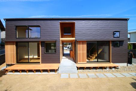 小さな家 木の家 リノベーション 小屋 素材 デザイン 暮らし 中古不動産 スケルトン