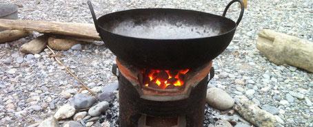 chillfood entdeckt feuer-pot und feuer-wok