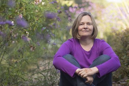Christine Lukas: Malbegleiterin, Künsterin und Buchautorin