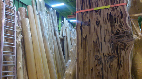 磨き丸太と珍銘木