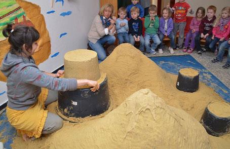 Lummerland bauen für und mit Kita- Kindern.