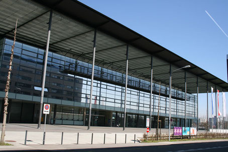 Die Messe Halle 7 am Vordereingang