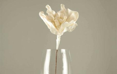 Flor blanca artificial de polietileno