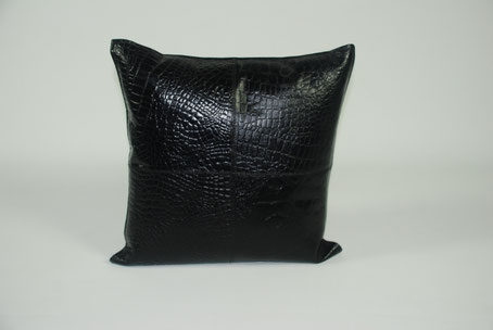 Cojín negro polipiel