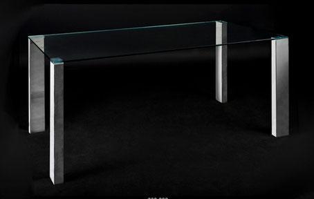 Mesa de comedor de cristal con patas de metal