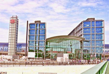 Der Lehrter Bahnhof, der Hauptstadtbahnhof Sehenswürdigkeiten Hauptstadt Deutschland Berlin