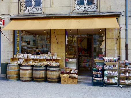 Weinhandlungen in Dijon in Frankreich