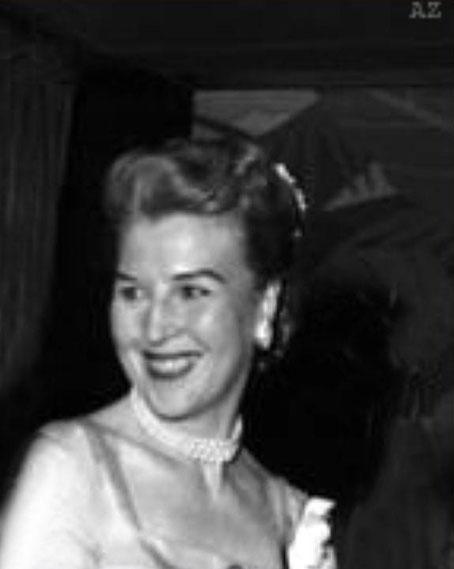 1956 - Longchamps Restaurant, New York