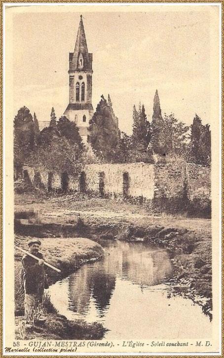 Gujan-Mestras autrefois : vers 1925, l'Eglise Saint Maurice vue de derrière depuis le ruisseau à l'arrière du cimetière, Bassin d'Arcachon (carte postale, collection privée)