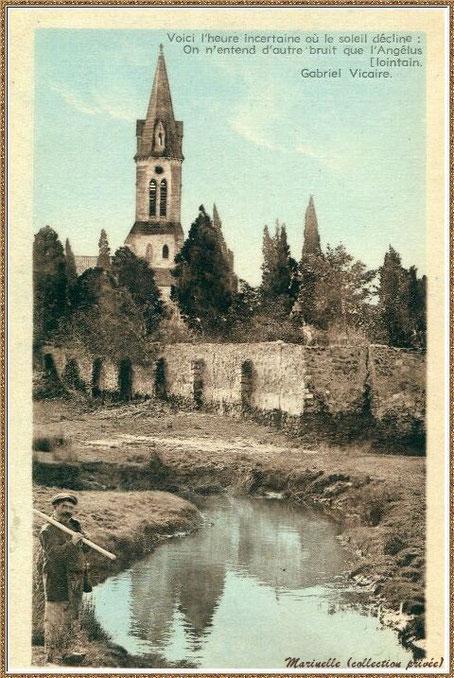 Gujan-Mestras autrefois : vers 1925, l'Eglise Saint Maurice vue de derrière depuis le ruisseau à l'arrière du cimetière, Bassin d'Arcachon (carte postale version colorisée, collection privée)
