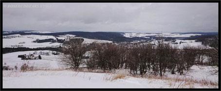 Blick vom Schwartenberg über erzgebirgische Landschaft