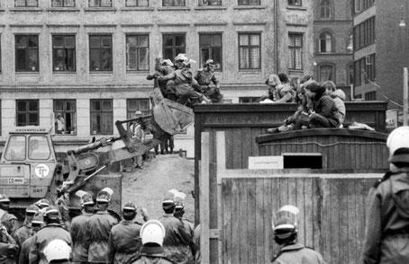 """Politiets første rydningsforsøg af """"BYGGEREN"""", den 22. april 1980"""
