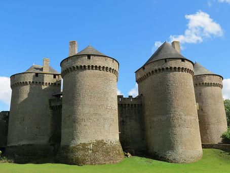 Forteresse de Lassay-les-Châteaux
