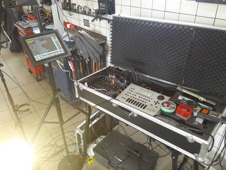 PC-System mit Soundmodulen, Mischpult, Aufnahmerecorder und Funkanlagen
