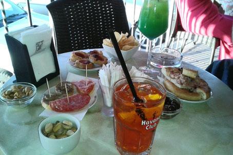 das volle Programm (Bar Centrale, San Severino)