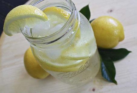 Limonade selber machen, Eistee selber machen, Plastik sparen, zerowaste, plastikfrei