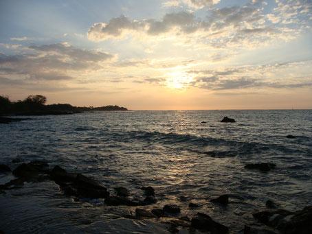 ワイコロアビーチから見た夕日
