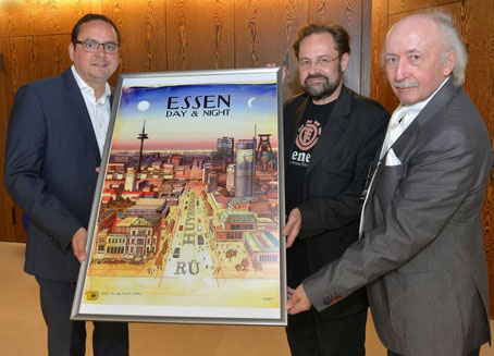 V.l.n.r.: Oberbürgermeister Thomas Kufen, Jan-Michael Richter und Peter Kappert. Foto: Peter Prengel