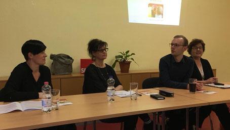 Von links: Stefanie Heidemann, Angela Leuschner, Florian Gereke und Petra Grimm-Benne